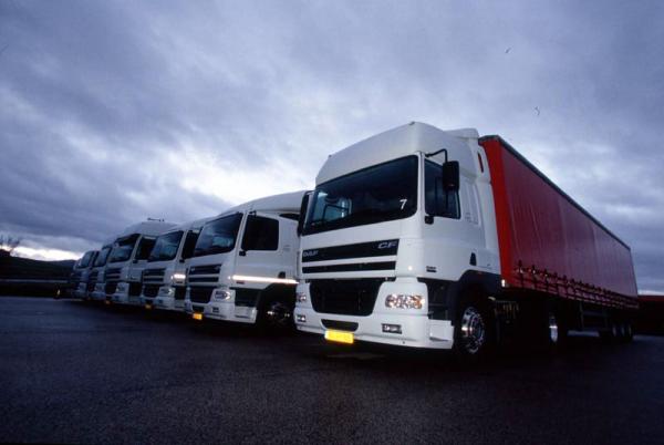 Закрытые и открытые грузовые автомобили